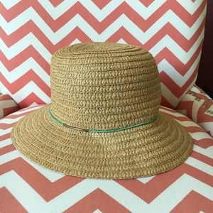Accessories - NWOT, straw bucket hat
